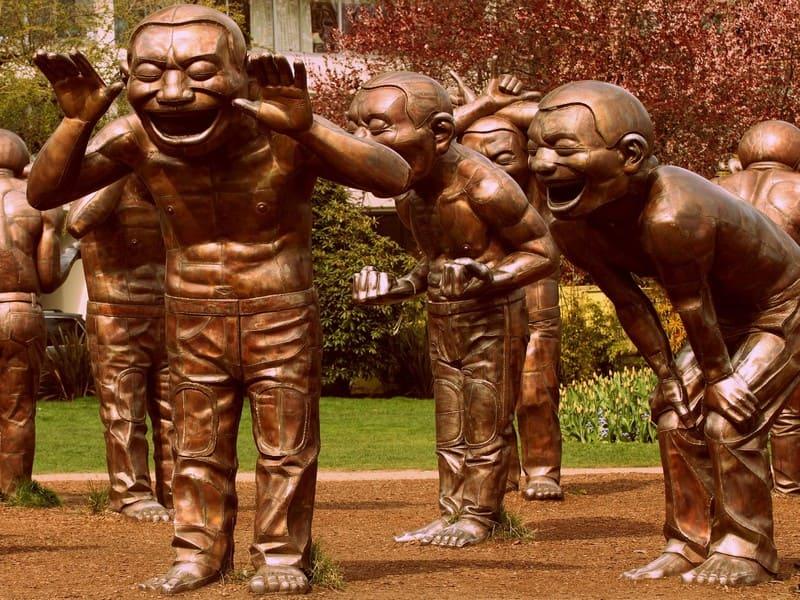 La Risa convertida en Yoga para beneficio de nuestras Empresas